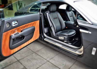 Rolls-Royce-Wraith-Front-Interior-Side-File-Finish